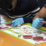 To Ελληνικό Ινστιτούτο Παστέρ «παστεριώνει» το μικρόβιο της ξενοφοβίας